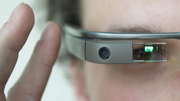 Hacking Google Glass with QR Code to sniff user data