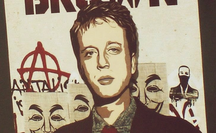 Barrett Brown Sentenced to 5 Years in Prison just for 'Re-Sharing Link to Hacked Material'