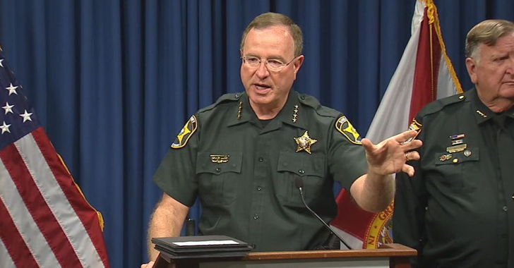 Florida Sheriff threatens to Arrest 'Rascal' Tim Cook if He Doesn't Unlock the iPhone