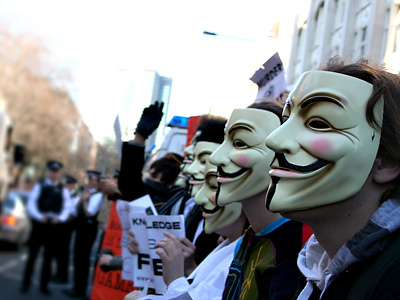 FBI raids ISP in Anonymous DDoS investigation !