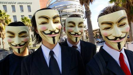 Anonymous Hackers Attacks its Own Investigating Group !